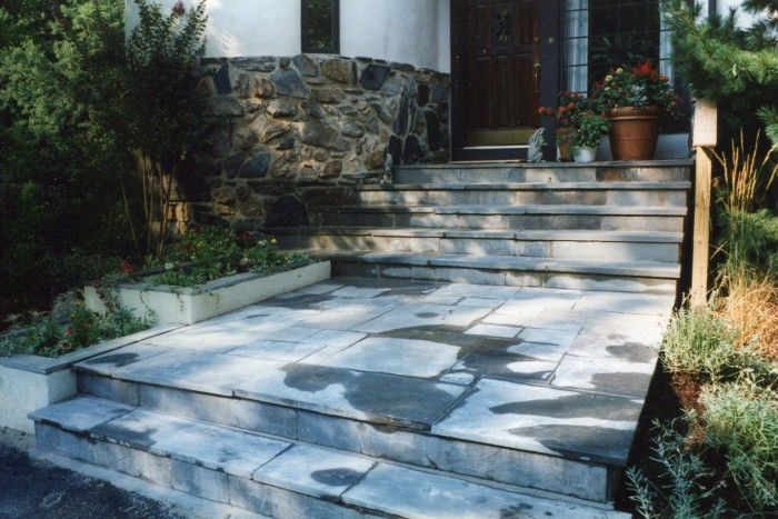 Flagstone entry with planters