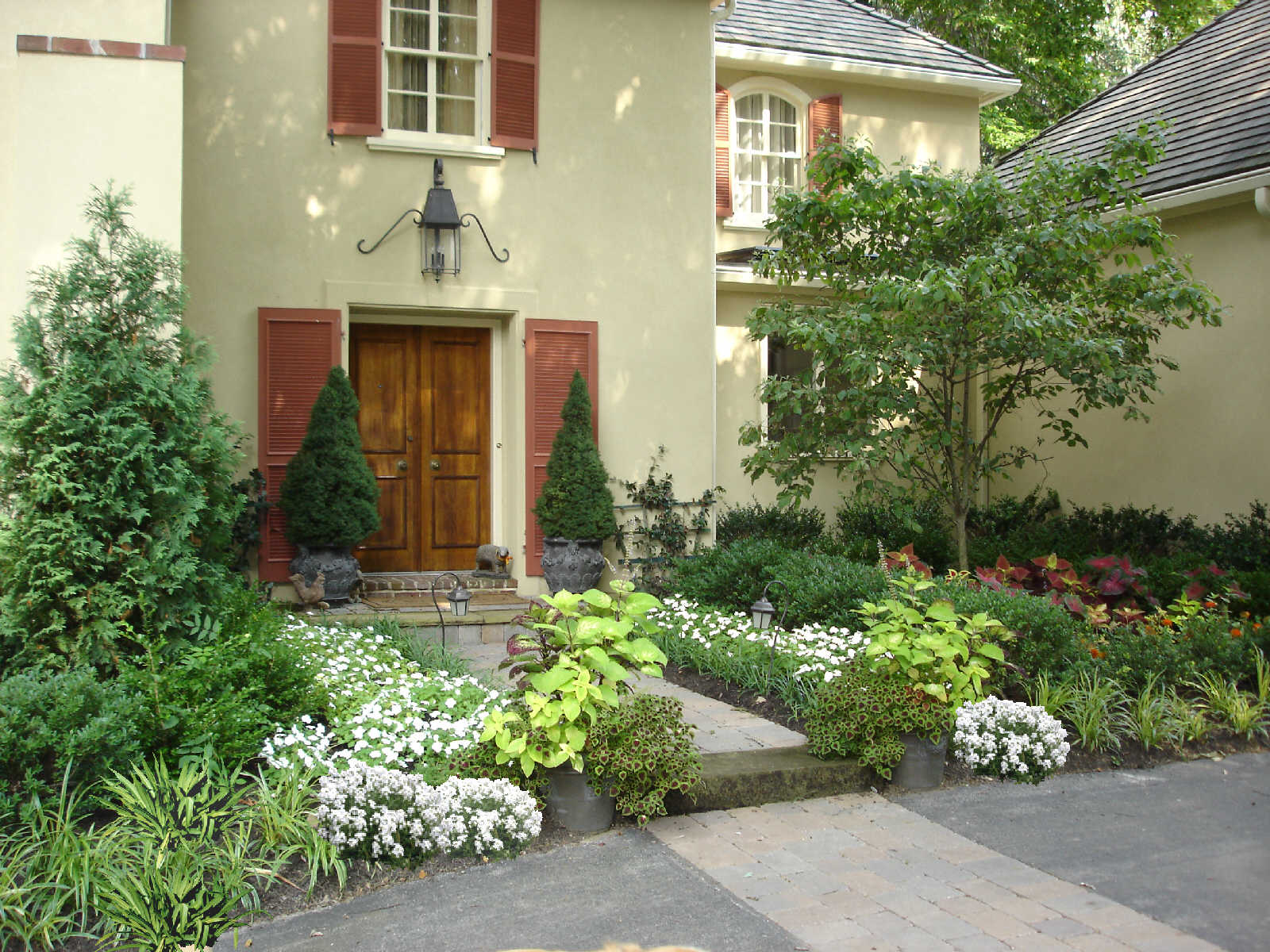 European influenced garden in Radnor